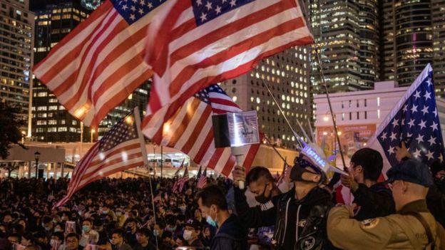 Hàng ngàn người Hong Kong tập trung ở trung tâm thành phố vào Lễ Tạ ơn 28/11/2019 để tỏ lòng biết ơn nước Mỹ