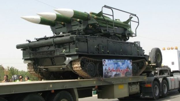 یک پرتابگر سه تایی سامانه پدافندی میانبرد سام-۶ متعلق به نیروی هوافضای سپاه