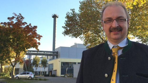 Michael Becker, director de ingeniería de Pfizer