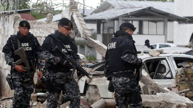 Policías en San Lorenzo, Ecuador