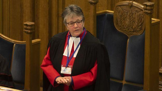 La derecha Rev Susan Brown