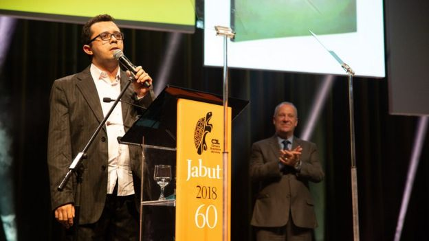 Mailson Furtado discursa no prêmio Jabuti