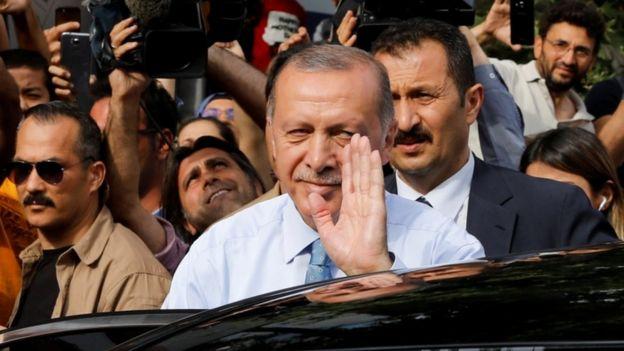 آقای اردوغان ۱۱ سال نخست وزیر ترکیه بود و بعد رئیس جمهور شد