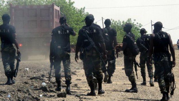 Des éléments de la Brigade d'intervention rapide du Cameroun lors d'une mission de patrouille le 29 mai 2014 à Waza