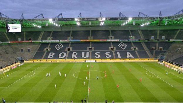 Германия первой в Европе возобновляет профессиональный футбол