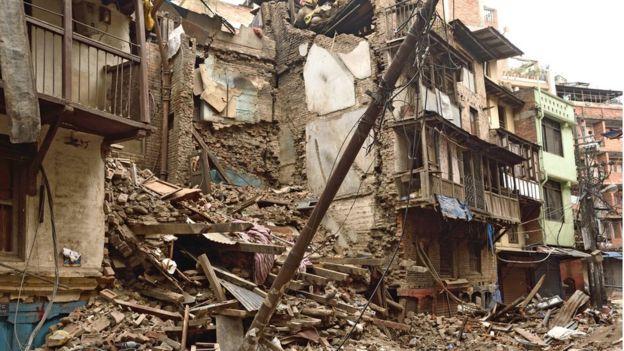 Edificios destruidos por un terremoto