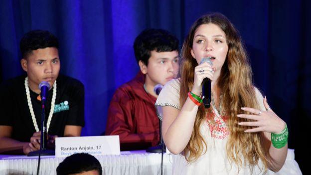 Chiara Sacchi hablando en la cumbre de la ONU en Nueva York