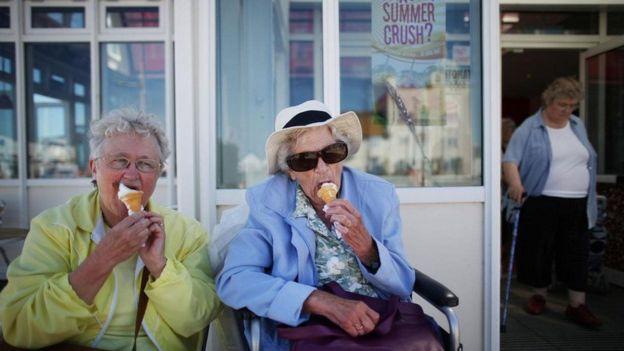 Yaşlılık dönemini hastalıklarla geçirmek zorunda değiliz.