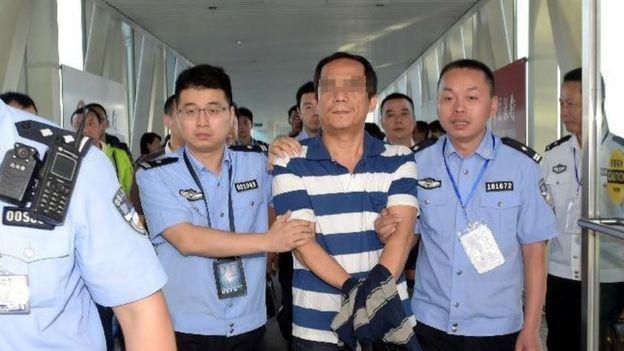 2014年中国对100名涉嫌腐败逃亡海外的被通缉人员发出了国际刑警组织的