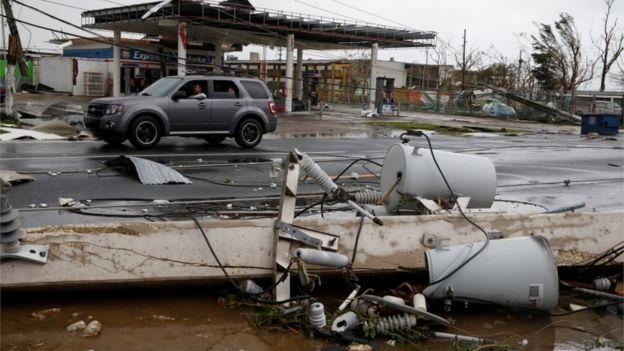 Destruição provocada pelo furacão Maria em Guayama, Porto Rico.