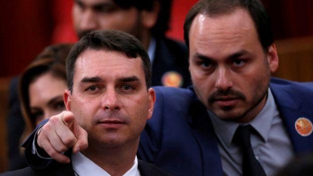 Flavio e Carlos Bolsonaro, em foto de 2018