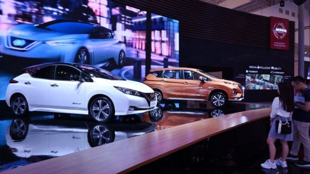 Exposicion de autos Nissan