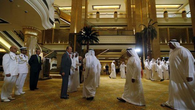 Juan Carlos I, en su última visita como rey a Emiratos Árabes Unidos, en abril de 2014.