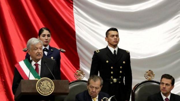 López Obrador en el Congreso.