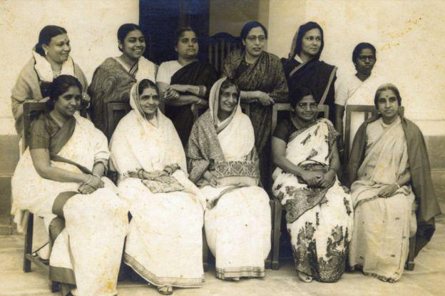 Mujeres de la asamblea constituyente en India.