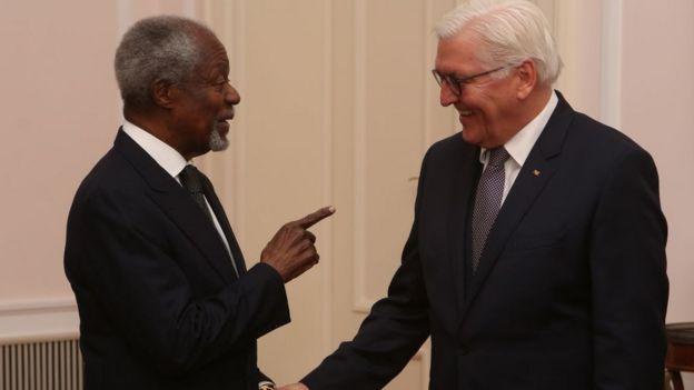 Kofi Annan, avec le président Allemand Frank-Walter Steinmeier à l'anniversaire du Président Horst Koehler à Berlin.