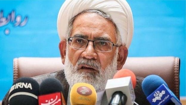 محمد جعفر منتظری، دادستان کل ایران میگوید کسی که هشت سال مدیریت عالی کشور را بر عهده داشته کلکسیونی از قانونگریزی است