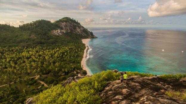 Vista aérea de una playa en la Isla Norte en las Seychelles