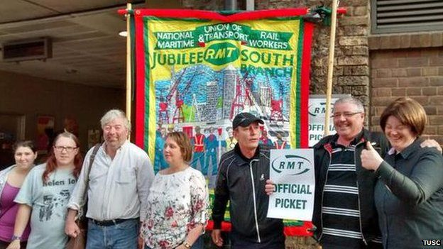 Trade Unionist and Socialist Coalition stand on the picket line in solidarity with striking Tube workers at London Bridge