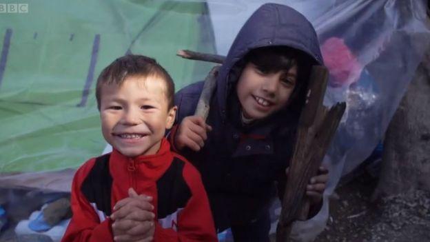 Niños en el campamento.