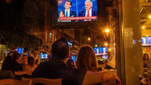 Adayların TV tartışması