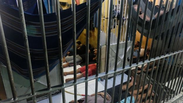 Tidur gantung di sel bagi tahanan baru di Rutan Bagansiapiapi