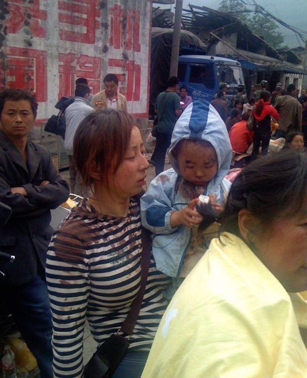 2008年,張悅在四川拍下的災後人民