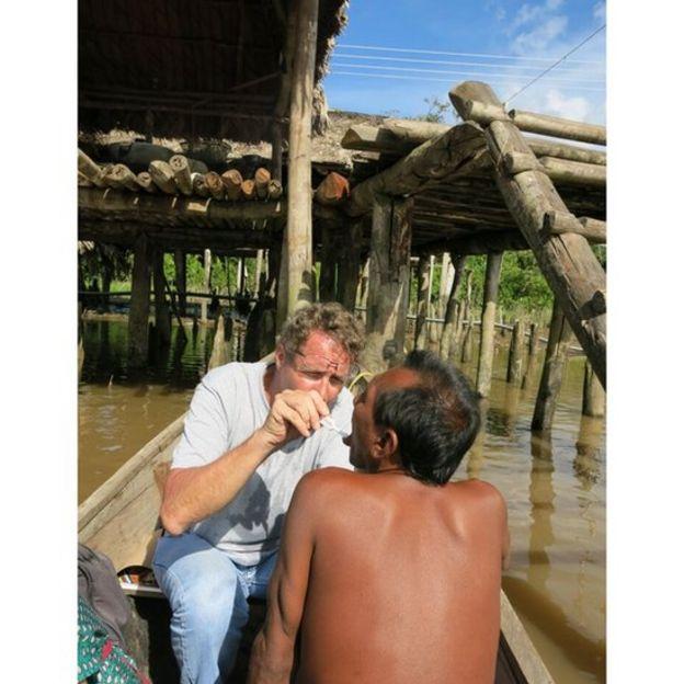 99548793 waraojacobus - A tribo indígena que está sendo dizimada por uma epidemia de HIV