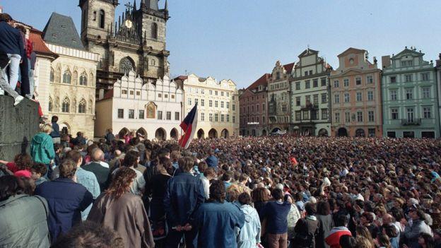 捷克斯洛伐克「天鵝絨革命」
