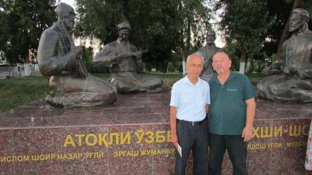 Журналистлар Тошпўлат Раҳматуллаев ва Каримберди Тўрамурод