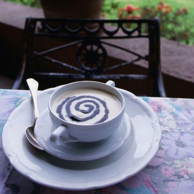 Sopa con crema de huitlacoche