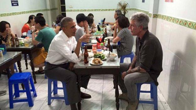 آنتونی بوردین و باراک اوباما، رئیس جمهوری سابق آمریکا