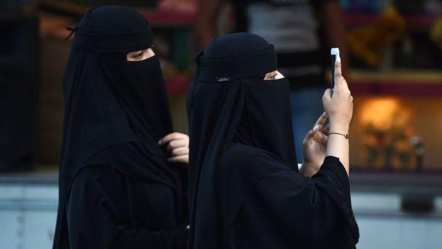 زنان در عربستان همچنان با محدودیتهای شدیدی روبرو هستند