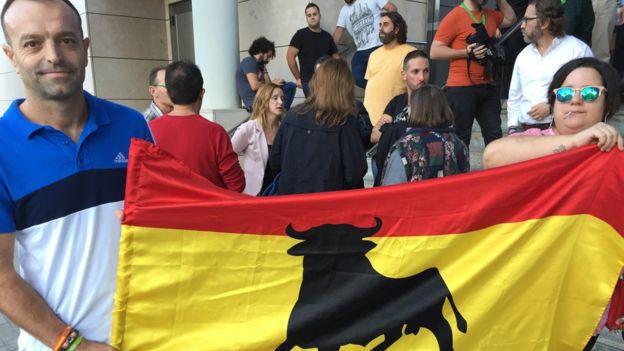 Apoiadores do Vox em Valência, na Espanha