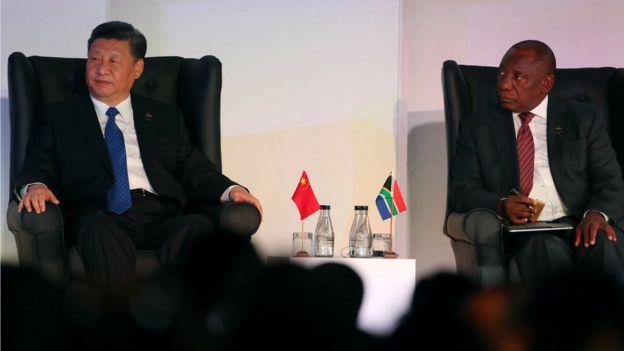 習近平在南非訪問期間,與南非總統拉馬福薩舉行會談。