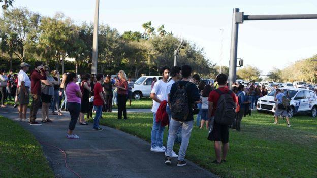 Estudiantes de Parkland luego del tiroteo