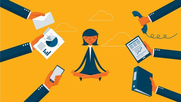 Ilustración de una mujer meditando a la que bombardean con tareas