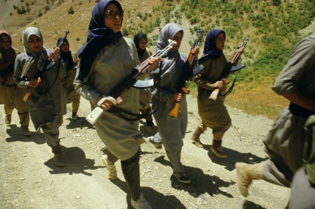 Women MEK fighters training during the Iran/Iraq war (1984)