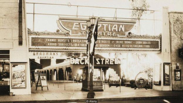 Hollywood'da bir Mısır tiyatrosu