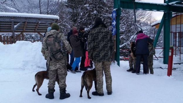 Собаки і рятувальники
