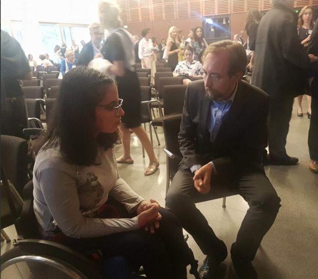حديث جانبي حول وضع الأزمة السورية بين نوجين وزيد بن رعد، المفوض السامي لشؤون اللاجئين في زيوريخ.
