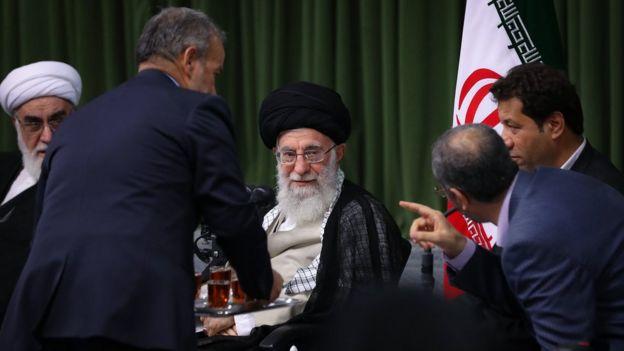 رهبر ایران و دفتر او در فهرست تحریمهای آمریکا قرار گرفتند
