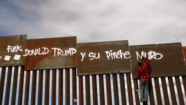 Protesta contra el muro de Trump