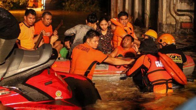 توفان فیلیپین؛ تعداد کشته ها از ۱۸۰ نفر گذشت