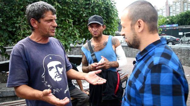 Роми повертаються на Закарпаття, хоча, як самі кажуть, не знають, чи знайдуть роботу там