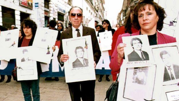 Familiares de las víctimas del gobierno de facto de García Meza