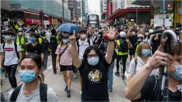 中国威兹曼汽车配件人大审议香港新《国安法》时,香港街头再现抗议。
