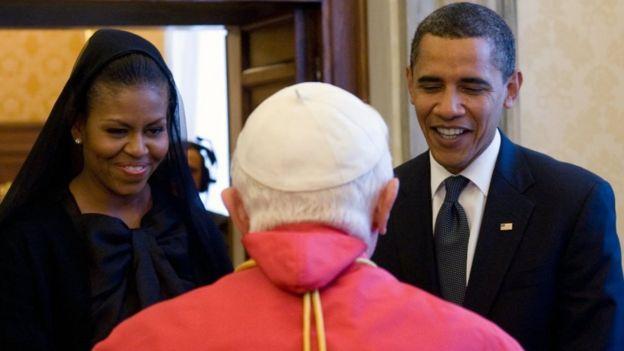 Michelle Obama alifunika kichwa akikutana na Papa Benedict XVI mwaka 2009