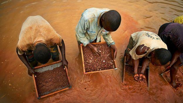 Алмазний видобуток в Анголі