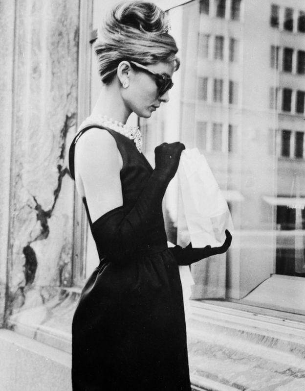 Audrey Hepburn frente a Tiffany's